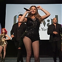 maite-perroni-performs-onstage-during-the-5th-annual-festival-people-picture-id615017144.jpg