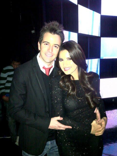 Maite Perroni na festa de final de ano da Televisa