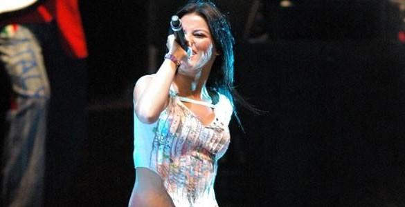 Atualização: Maite Perroni na Tour Generación RBD de 2005 e 2006