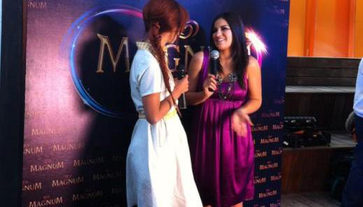 Fotos: Maite Perroni chega à inauguração da Boutique Magnum da Cidade do México