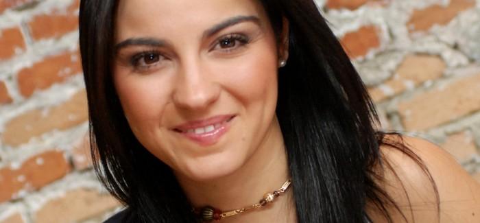 Maite Perroni conclui as gravações de El Arribo de Conrado Sierra