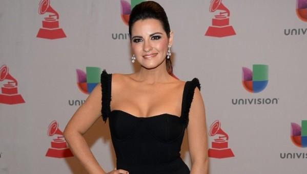 Vídeos&Fotos: Maite Perroni na 15º entrega do Prêmio 'Latin Grammy 2014'