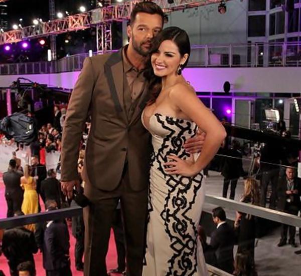 Maite Perroni tieta Ricky Martin em premiação na Florida