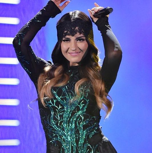 Maite Perroni brilhou no Premios Juventud 2015
