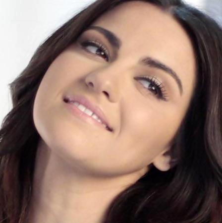 Vídeo: Maite Perroni em sessão de fotos para Kids Choice Awards México