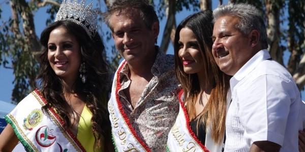 Vídeos&Fotos: Maite Perroni e Arath de La Torre no desfile de independência do México em Los Angeles