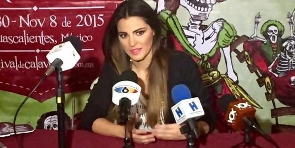 Vídeo: Maite Perroni em coletiva de imprensa no 'Festival de Calaveras'