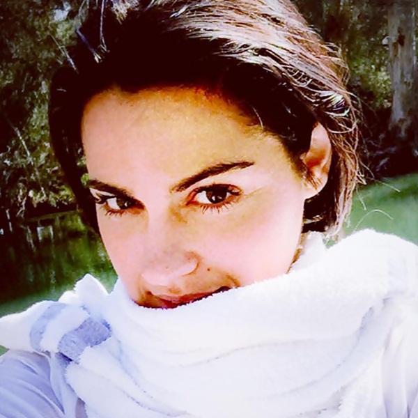 Maite Perroni foi batizada no rio Jordão em Israel