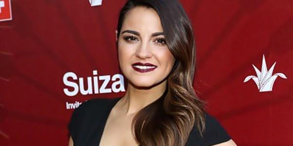 Vídeo: Maite Perroni está feliz de estrear no cinema com El Arribo de Conrado Sierra