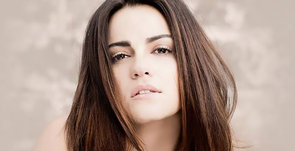 Maite-Perroni-Adicta-2016-Single