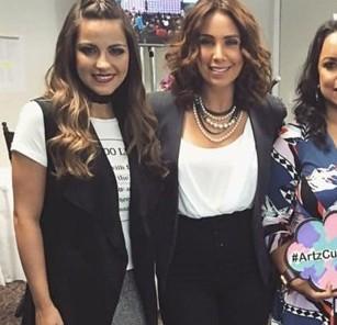 Vídeos: Maite Perroni no evento 'Poderosas Live'