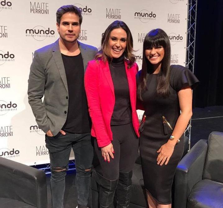 Maite Perroni e Daniel Arenas em entrevista para o programa 'Fofocalizando'