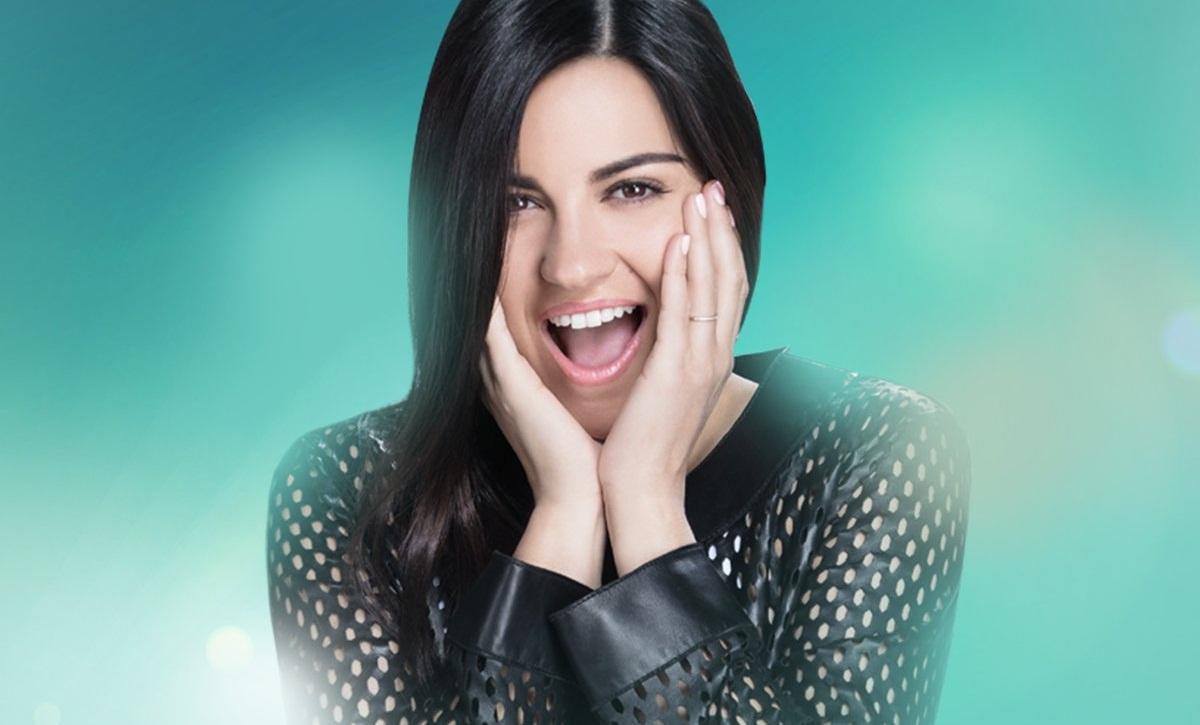 Maite Perroni sofre acidente durante gravações dos promocionais de 'Papá a Toda Madre'